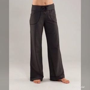 Lululemon Still Pant Heathered Black Charcoal Sz 2